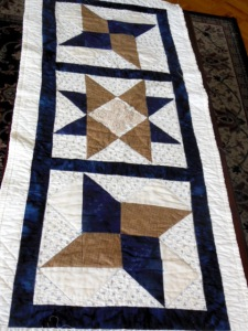 This table runner needs a quilt to match!  To buy or not to buy during Mercury Retrograde?
